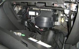 Замена салонного фильтра Opel Astra J в картинках