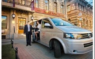 Какой заказать микроавтобус для гостей? Особенности выбора