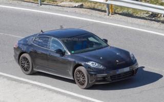Интерьер и экстерьер Porsche Panamera 2016 на шпионских фото