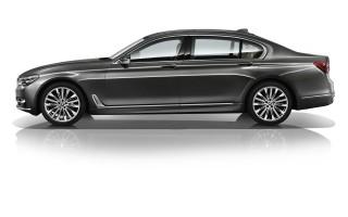 BMW 730i отправляется в Китай с 2,0-литровой «четверкой»