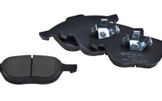Замена тормозных колодок на Форд Фокус 3, фото, инструкция как поменять передние колодки на ФФ3