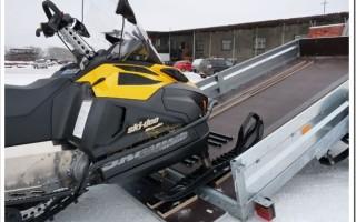 Какой выбрать прицеп для транспортировки снегохода