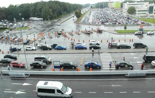 Где находятся парковки в Домодедово