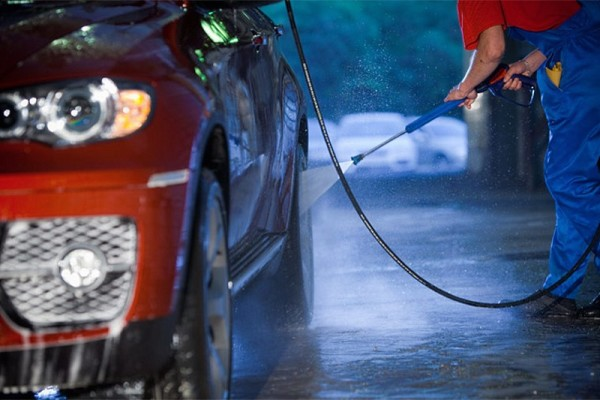 как моют машину на автомойке