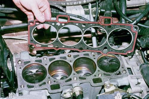 прокладка под головкой двигателя
