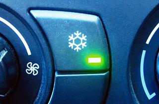 zapravka-kondicionera-svoimi-rukami